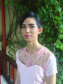Portfolio-1-Make-Up-dan-Hairdo-done-for-Ms-Karina-oleh-Beauty-by-Laura-Lionel-di-HelloBeauty