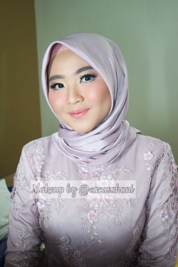 Portfolio-1-flawless-make-up-oleh-Caca-Sahani-di-HelloBeauty