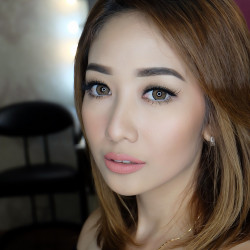 Ina-Lie-Makeup-Artist - HelloBeauty